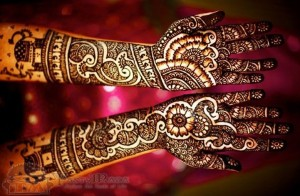 Bridal-Mehndi-Design-for-Hands