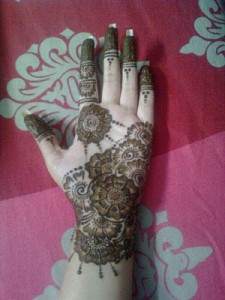best-Simple-front-hand-mehndi-design