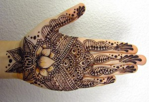 hand-mehndi-design-for-Girls