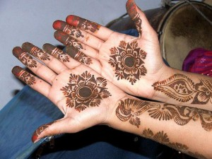 indian-New-Diwali-Mehndi-Designs-for-hands