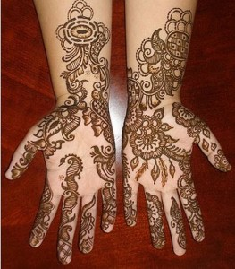 Creative-Pakistani-Mehndi-Designs