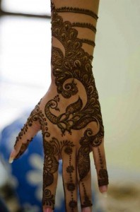 Full-hand-Pakistani-Mehndi-Design