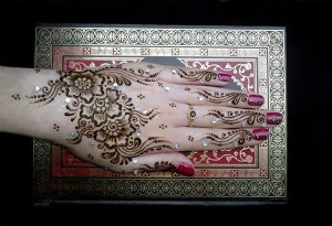 Glitter-Indian-Mehndi-Designs