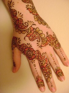 Glitter-Mehndi-Designs-new