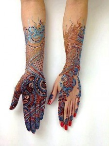 Latest-Glitter-Mehndi-Design-For-Girls