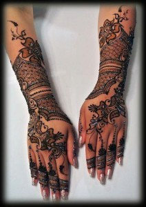 New-Pakistani-Glitter-mehndi-design