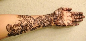 amazing-young-Girls-Mehndi-Designs-for-hands